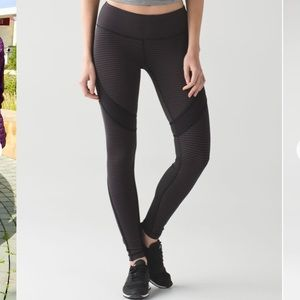Rare Lululemon Conduit Tights EUC